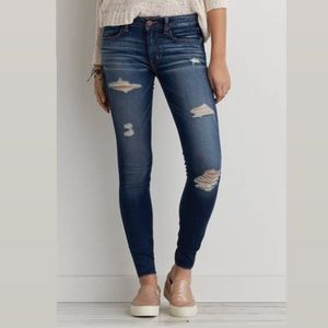 AMERICAN EAGLE OUTFITTERS    Distressed Jeggings